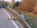 PKW gegen Brückenpfeiler 5
